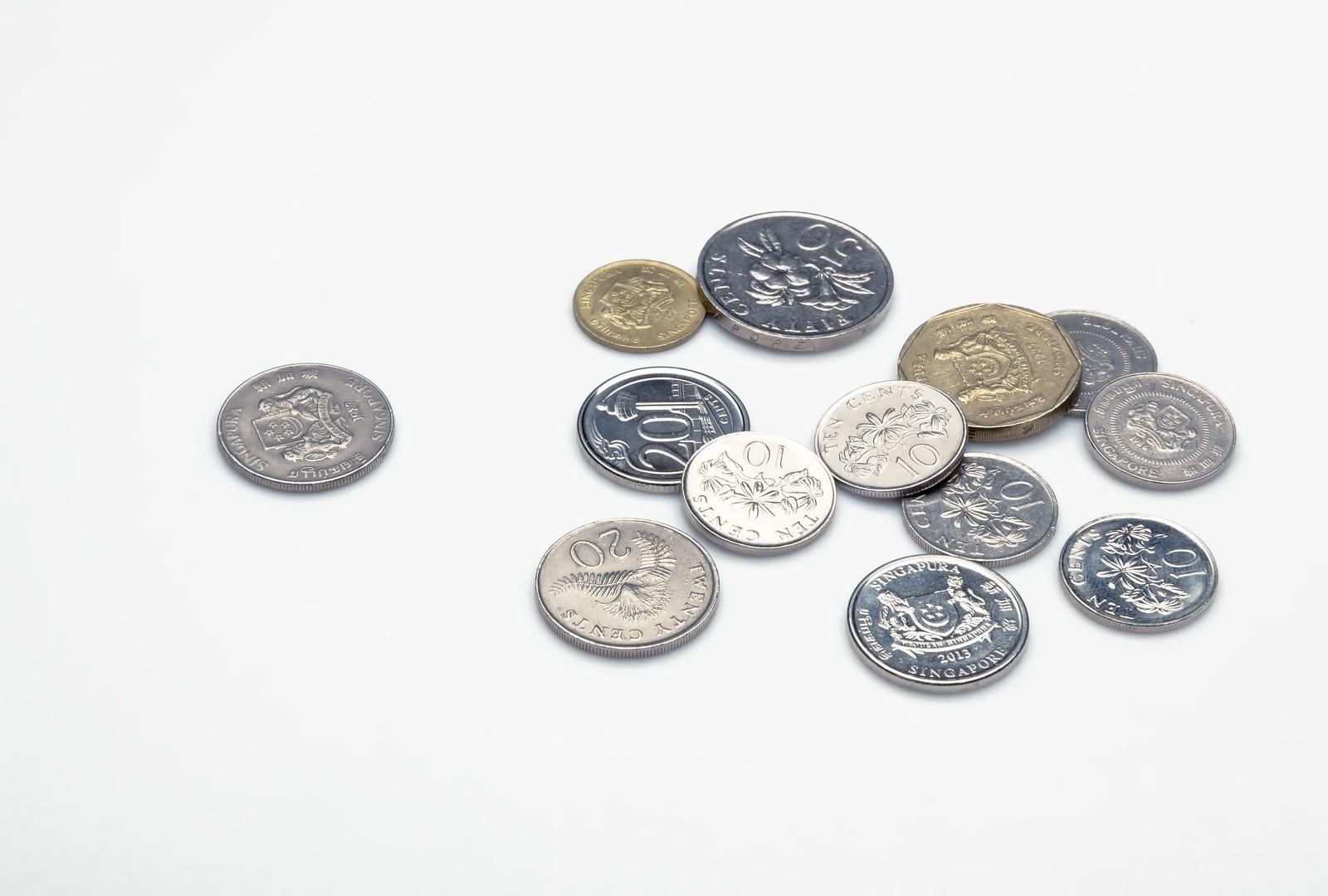 三菱UFJ銀行の両替手数料を比較!改定後は銀行を変えるべき?
